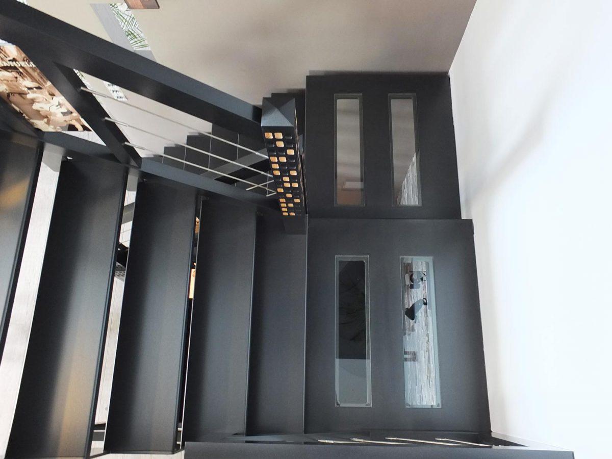 Escalier bois gris moderne en Alsace
