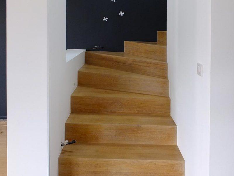 Habillage Escalier plein bois en Alsace