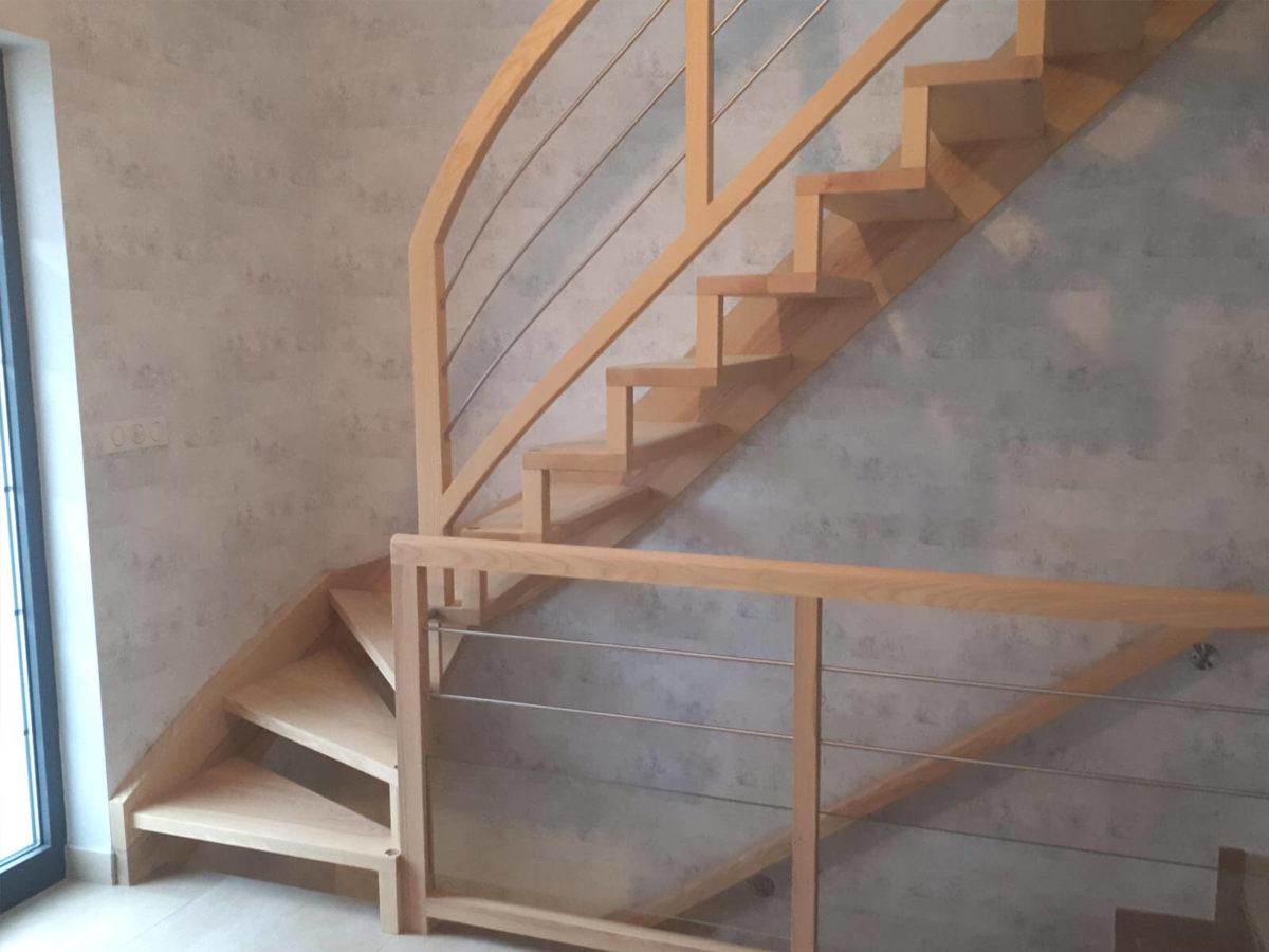 Escalier à limon bois fabrication en Alsace