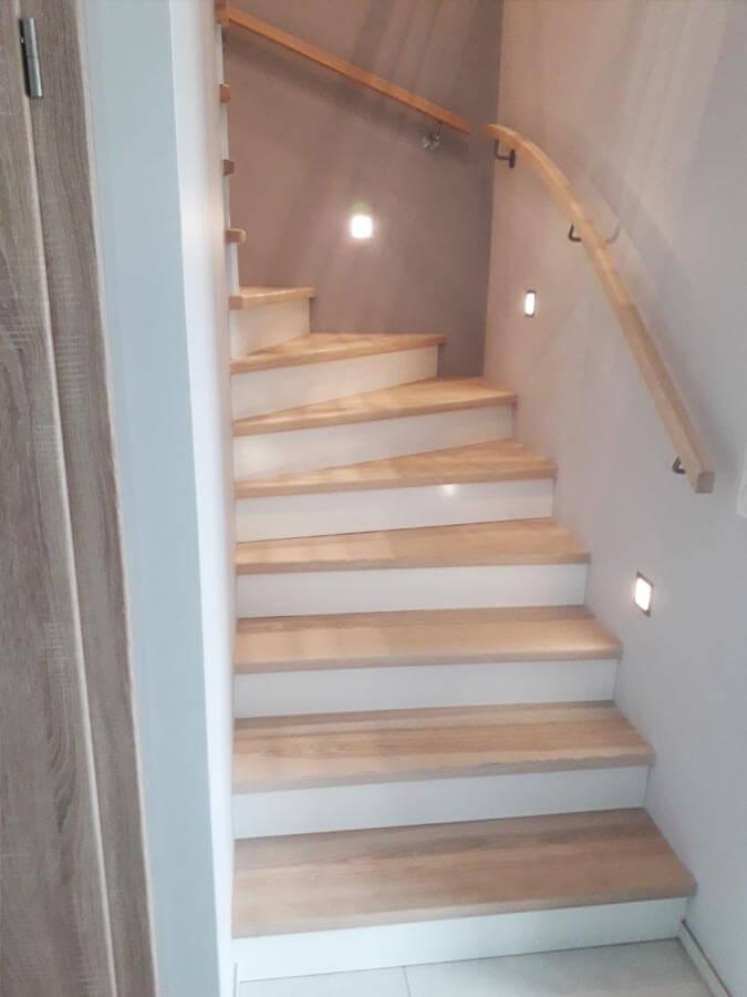 Habillage bois escalier en Alsace